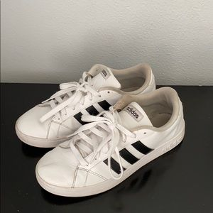 Women Adidas Shoes Size 8
